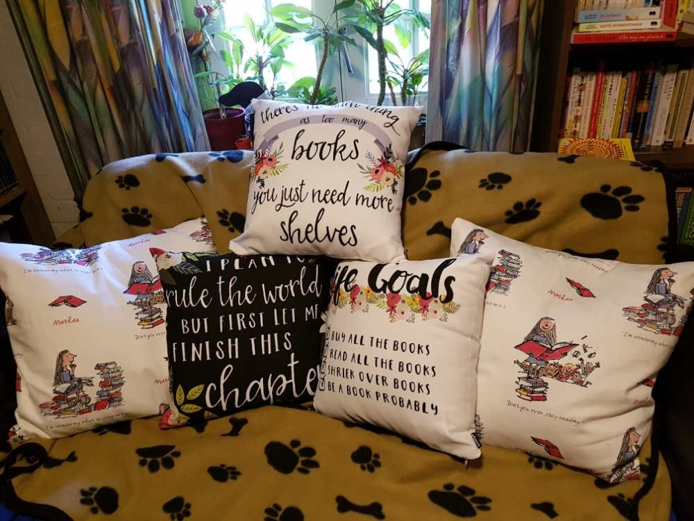 ThrowPillows1_025.jpg